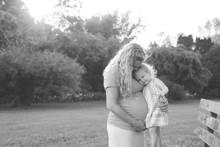 milwaukee maternity photographer